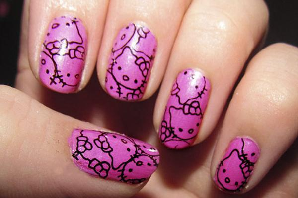 uñas de Hello Kitty rosas