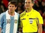 árbitro pide Messi foto
