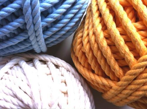 Divi rtete con cuerdas paperblog - Cuerdas de colores ...