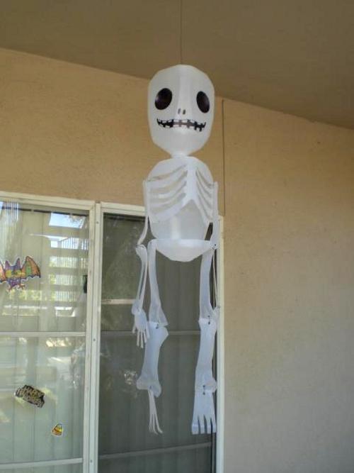 Adorna halloween con un esqueleto paperblog for Como hacer decoraciones de halloween