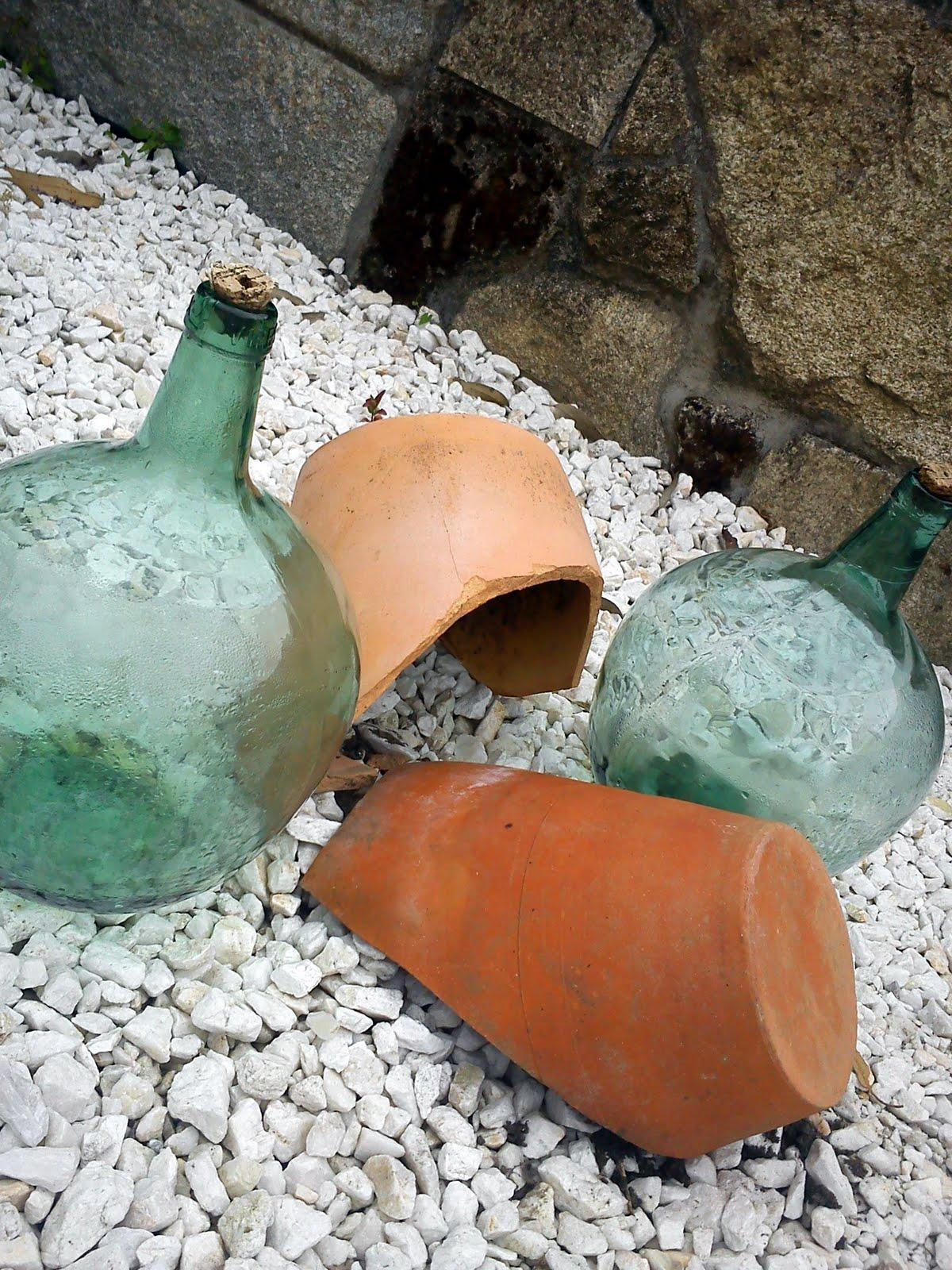Reciclar macetas rotas paperblog for Jacuzzi exterior enterrado