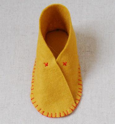 Cómo hacer zapatitos de fieltro para bebé