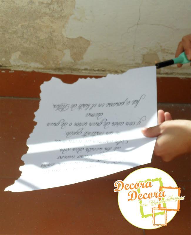 Envejecer papel para decorar.