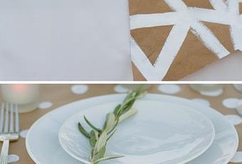 Hacer caminos de mesa con papel kraft paperblog - Caminos de mesa de papel ...
