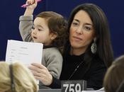 Victoria, 'eurodiputada' solo años edad