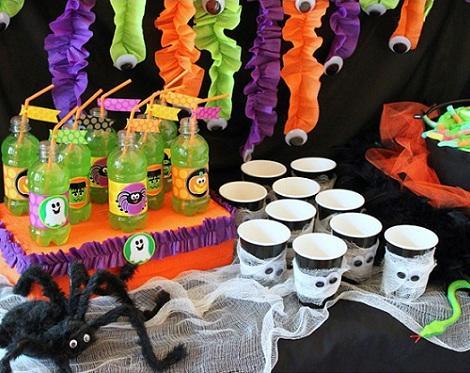 Mesas divertidas para halloween paperblog for Centros de mesa para halloween