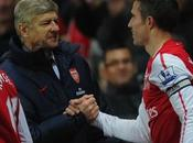 Persie contra Arsenal: ¿Habrá Inglaterra?