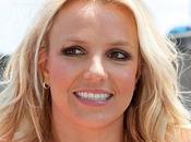 Britney Spears está negociaciones para escribir primera novela