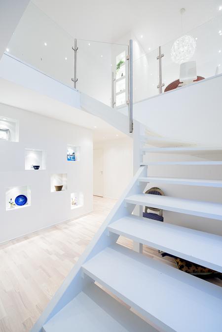Una casa sencilla en el exterior y gran dise o de for Diseno de interiores gran canaria