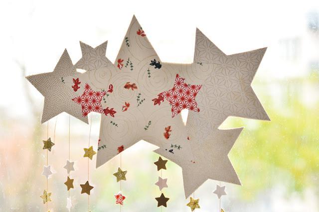 Diy navidad m vil de estrellas y papel decorativo o washi - Estrellas de papel para navidad ...