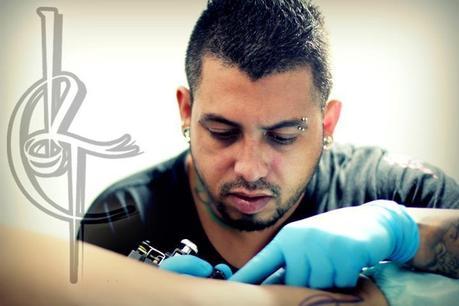 Leonel Castro, @leoneltattoo Artista del tatuaje que deja su huella mas allá de la piel.