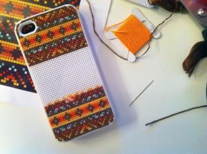 DIY carcasa iphone punto de cruz cross stitch