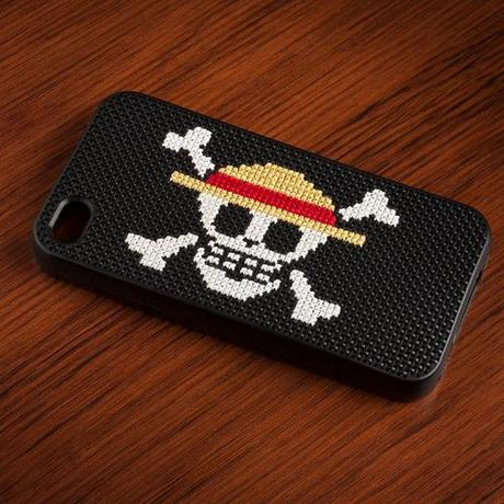 DIY carcasa iphone personalizar punto de cruz bordado geek