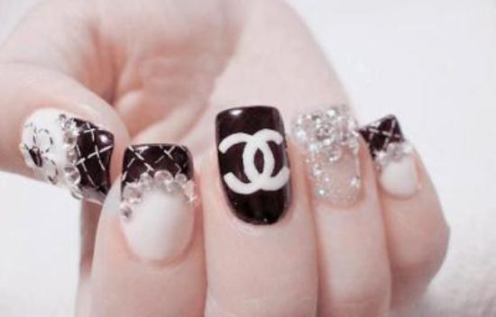 Fotos de diseños y colores de uñas 2013