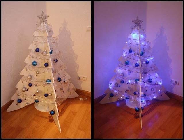 Diy navidad el rbol de cart n recoclado de erika paperblog - Como hacer un arbol de navidad de carton ...