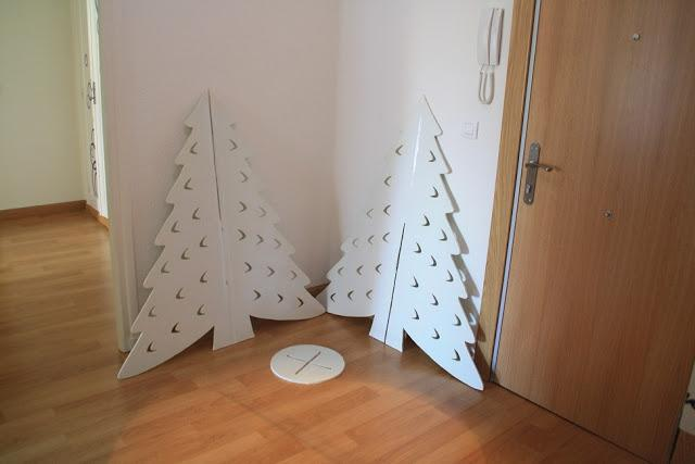 Diy navidad el rbol de cart n recoclado de erika paperblog - Adornos de navidad en carton ...