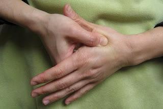 Puntos de acupresión para el Alivio de dolor de cabeza. Dolor de cabeza: Remedios Naturales