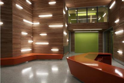 Revistiendo las paredes de madera paperblog - Pared de madera decoracion ...
