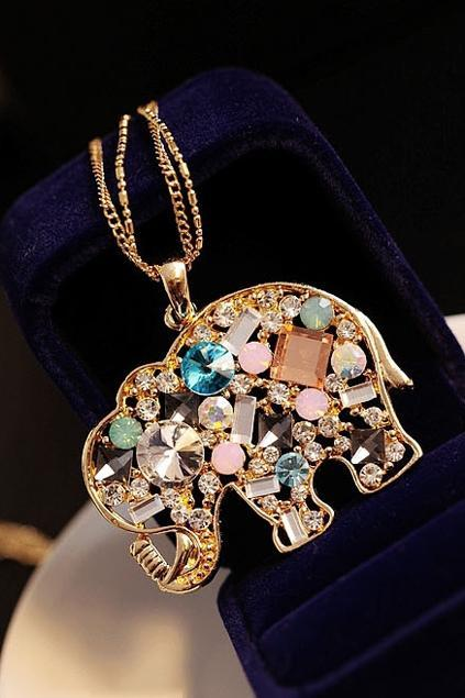 Rhinestone-Embellished-Elephant-Necklace