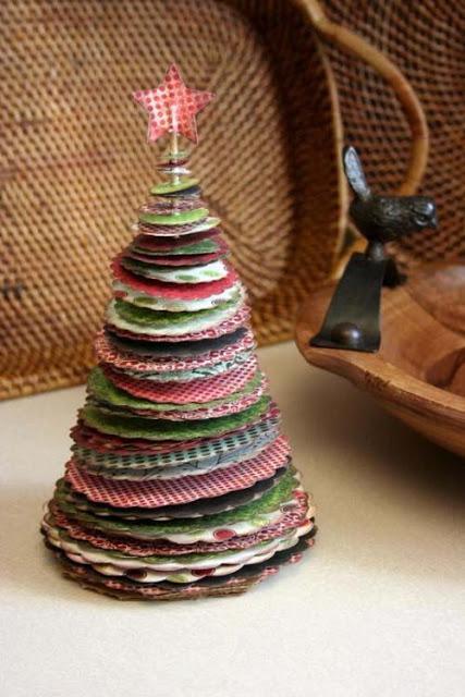 Con papel de scrap Christmas Tree from Scrapbook paper