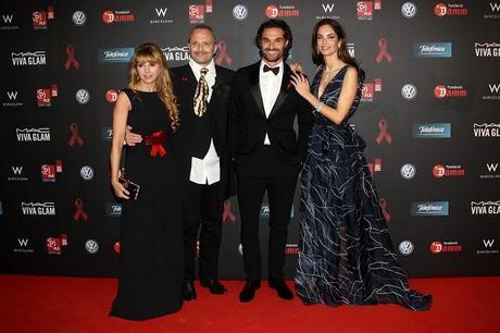 Alejandra Botto, con estilismo de Aloastyle, junto a Eugenia Silva en la Gala contra el Sida de Barcelona.