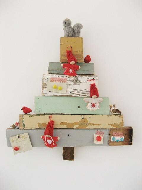 Rboles de navidad con madera paperblog - Arboles de navidad en madera ...