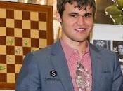 Magnus Carlsen gana Clásico Ajedrez Londres 2012