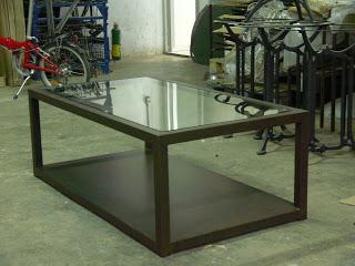 Mesas de centro de estilo industrial en hierro paperblog for Mesas de estilo industrial