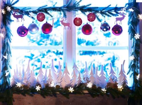 Decorando las ventanas en navidad paperblog for Como adornar puertas y ventanas en navidad