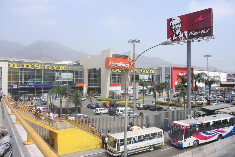 Un paseo por los centros comerciales de lima paperblog - H m plaza norte ...