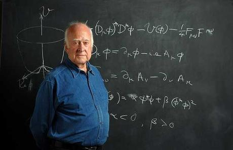 Peter Higgs, contra el ateísmo militante de Dawkins, 'ciencia y fe son compatibles'