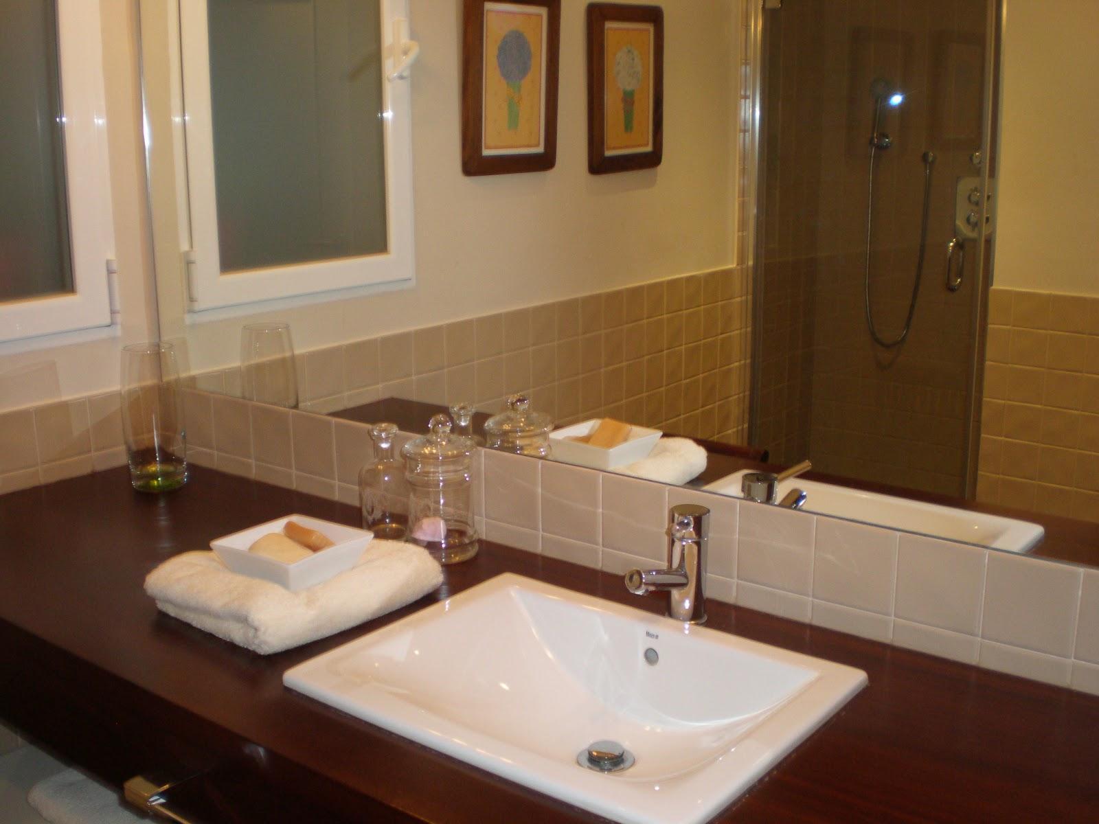 Ba o de invitados paperblog for Como colgar un espejo sin marco en la pared
