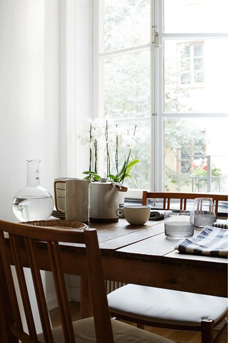 Decoraci n c lida y acogedora en madera y neutros paperblog for Natural burguer mesa y lopez