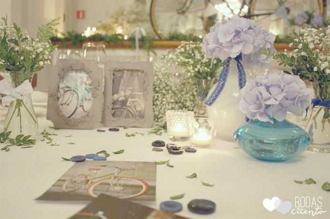 Una boda con hortensias azules y una bici vintage paperblog - Decoracion con hortensias ...