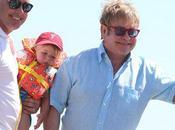Elton John dice padre fácil segunda