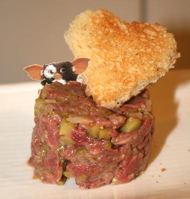 Un Caníbal o Steak tartare, a cambio de una reparación