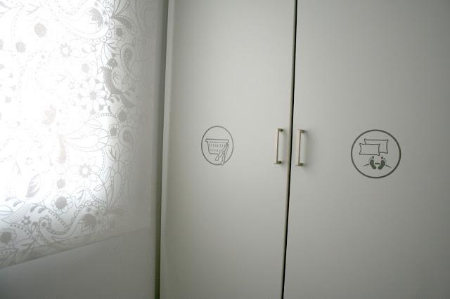 Ikea hack ningyoshinda y el tuneo de los armarios pax paperblog - Marquesinas para puertas ikea ...