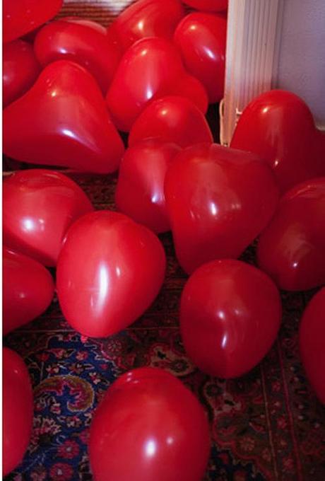 globos con forma de corazon para sorprender a tu pareja