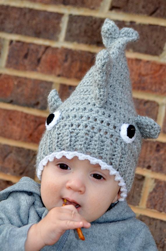 divertido gorro bebé tiburón