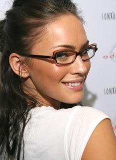 Gafas, nuevo complemento. Multiópticas