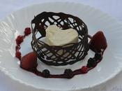 Semifrio chocolate blanco corazón cereza coulis frutos rojos