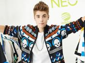 Justin Bieber fuerzas para compartir lado divertido street style
