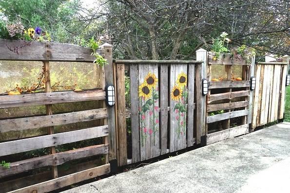 Una valla de jard n con pal ts paperblog - Macetas hechas con palets ...