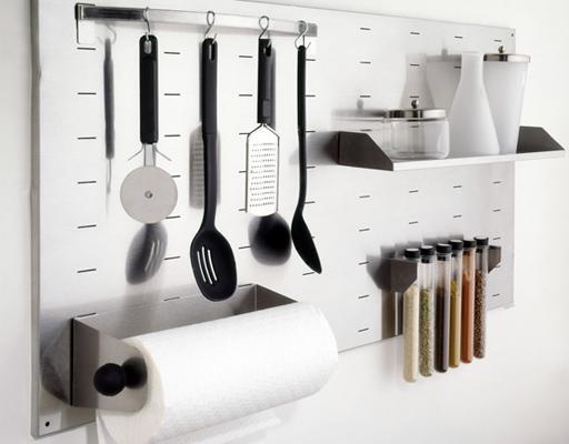 Accesorios de pared para organizar la cocina paperblog for Utensilios de cocina ikea