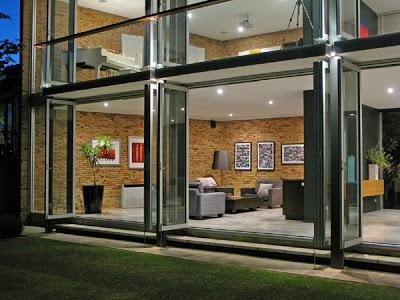 casa de acero minimalista