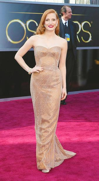 alfombra roja oscars red carpet 2013 jessica chastain armani prive