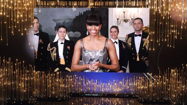 Obama anunciando el film ganador en la categoría de mejor película
