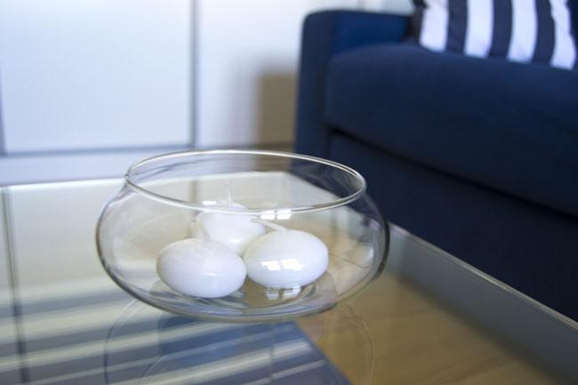 Weysa s home mi despacho en blanco y azul paperblog - Mesa transparente ikea ...