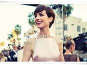 Anne Hathaway caso vestido