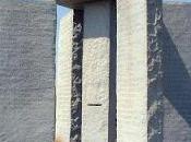 Enigmás misterios verso Stonehenge Americano. Georgia Guidestones. ¿Qué Inscripciones hay?